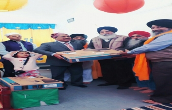 Embassy of India in Argentina presented two sets of computers to the Gurudwara in Rosario de la Frontera, Salta province on 17 Sept 2017