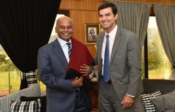 Mr. Juan Manuel Urtubey, Governor of province of Salta, welcomes Mr. Sanjiv Ranjan, Ambassador of India to Argentina with a traditional gift