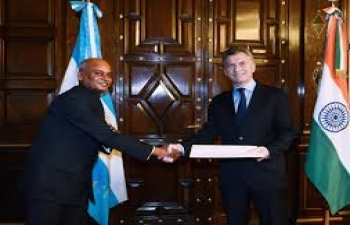 Ambassador of India, Shri Sanjiv Ranjan, presented his credentials to H.E. Mauricio Macri, President of the Republic of Argentina.