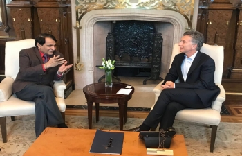 Honorable Minister of Commerce and Industry  Shri Suresh Prabhu meets H.E. Mr. Mauricio Macri, Hon. President of Argentina  and Mr. Jorge Faurie, Foreign Affairs Minister, Argentina at Buenos Aires.