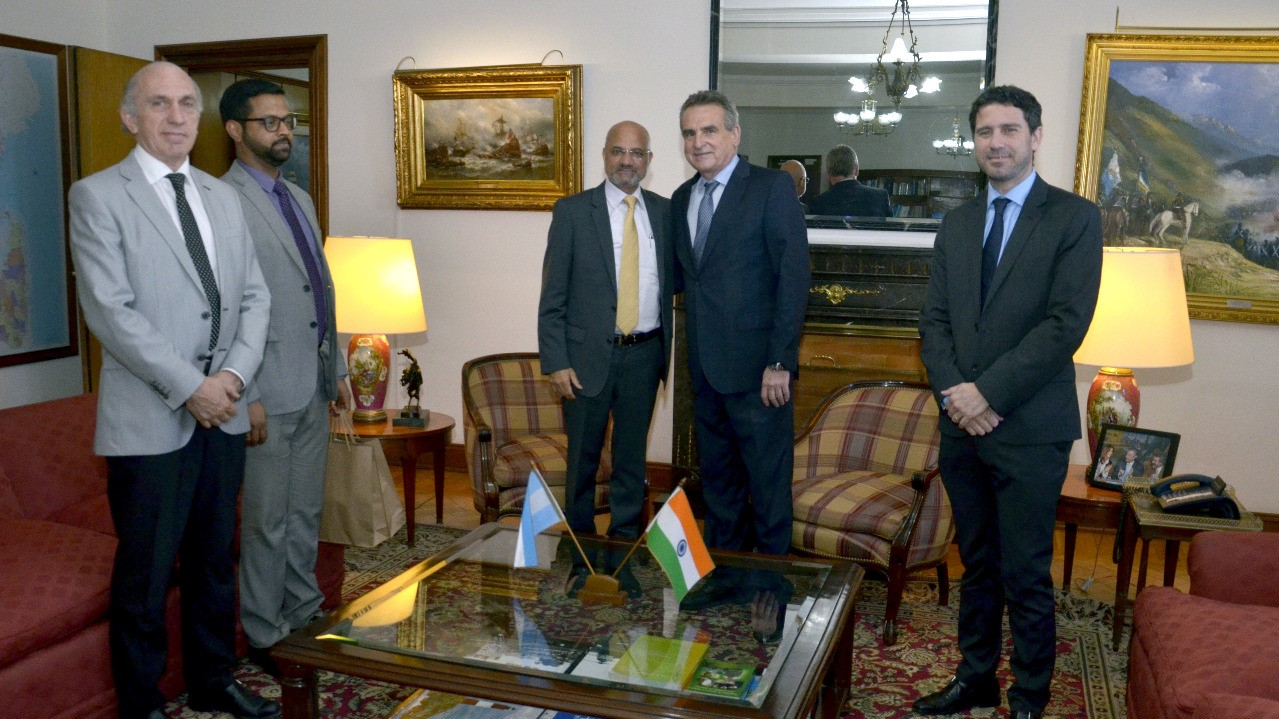 Minister of Defence of Argentina Mr. Agustín Rossi receives Ambassador of India Dinesh Bhatia