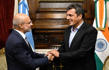 President of the Lower House H.E. Sergio Massa and Ambassador Dinesh Bhatia meet at the Argentine Parliament