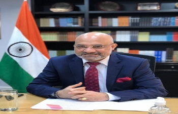 Ambassador Dinesh Bhatia, on behalf of government and people of India, handed over gift of 5 tons of essential medicines to Health Minister of Paraguay