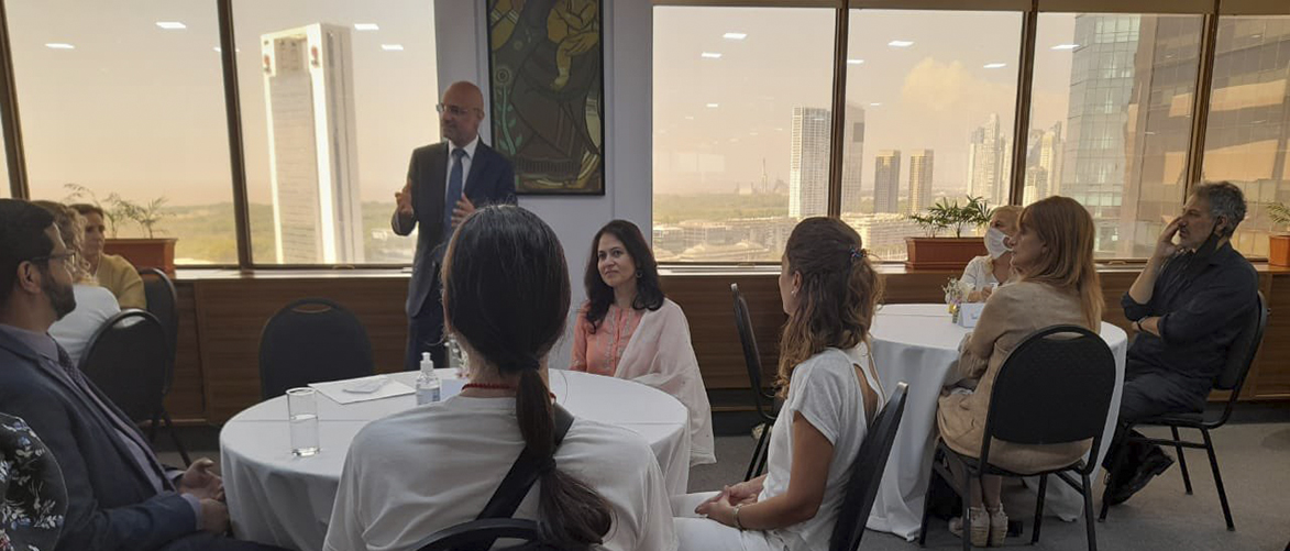 """Launching celebrations of """"India at 75"""", 75th anniversary of India's Independence, Ambassador hosted top 25 Yoga institutes & organizations in Argentina."""