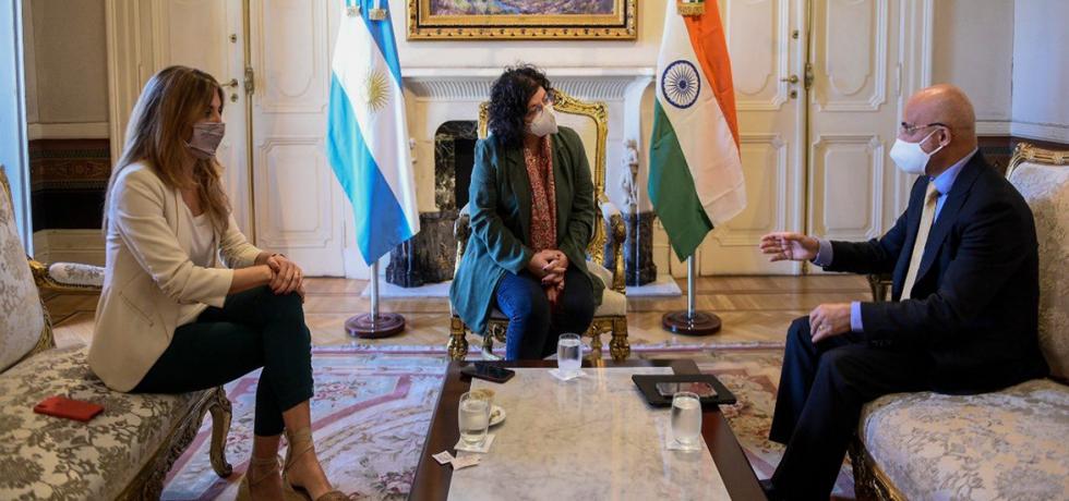 Ambassador met with Argentine Health Minister Carla Vizzotti and Advisor to the President Cecilia Nicolini