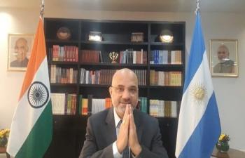 "Ambassador Dinesh Bhatia opened seminar ""Indian Cultural Diplomacy: Yoga in today's context"" hosted by ALADAA Uruguay & Universidad de la República"