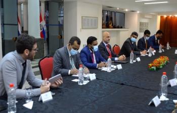 El Embajador Dinesh Bhatia junto a delegación Ministry of External Affairs, Government of India conversaron con Ministerio de Relaciones Exteriores del Paraguay procedimientos y reglamentos para establecer una Misión India Residente en #Asunción