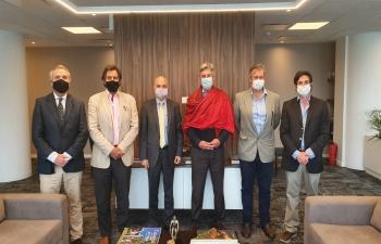 El Embajador Dinesh Bhatia visitó a Nicolas Pino Presidente de la Sociedad Rural